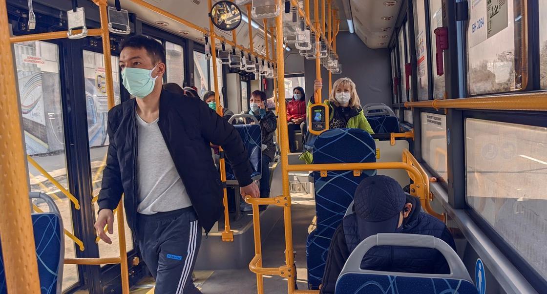 Общественный транспорт приостановил свою работу в Алматы