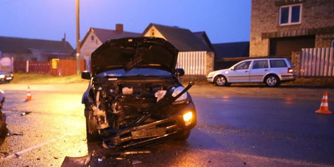 Пьяный полицейский врезался в встречную машину в Павлодарской области