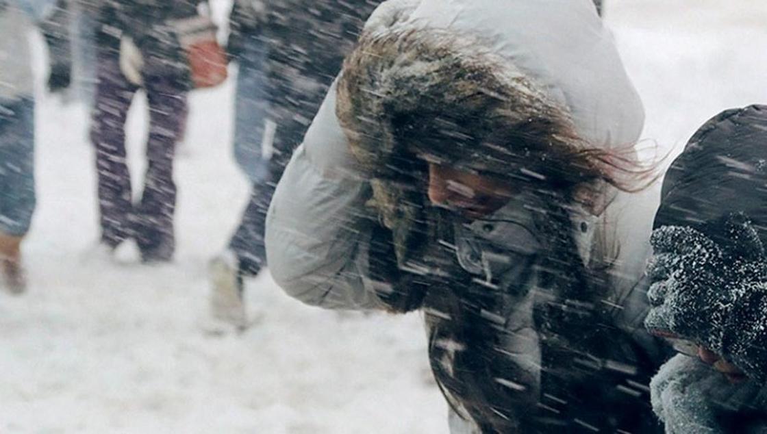 Шторм надвигается в праздники на Казахстан