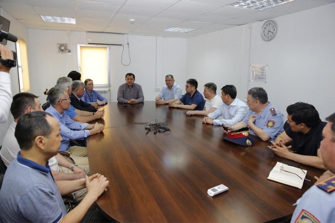 Нурлан Ногаев руководству ТШО : Условия труда должны быть равными для всех