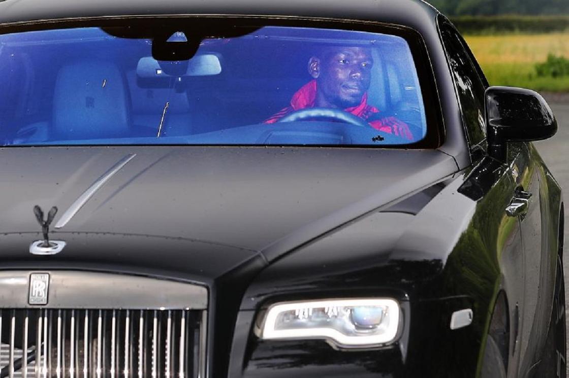 Полиция Манчестер Юнайтед футболшысының Rolls-Royce көлігін тәркіледі