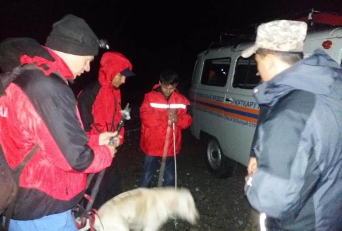 Турист застрял на высоте 3700 метров в горах Алматы