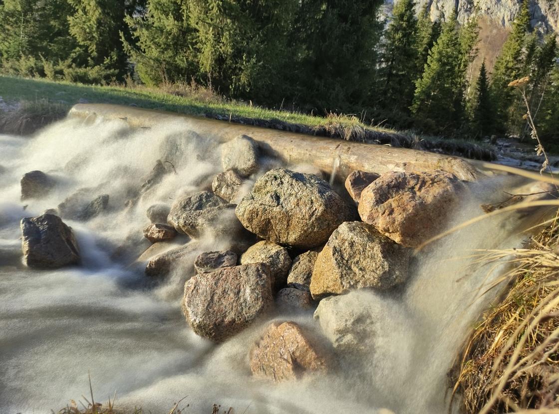 Река в Алматинской области