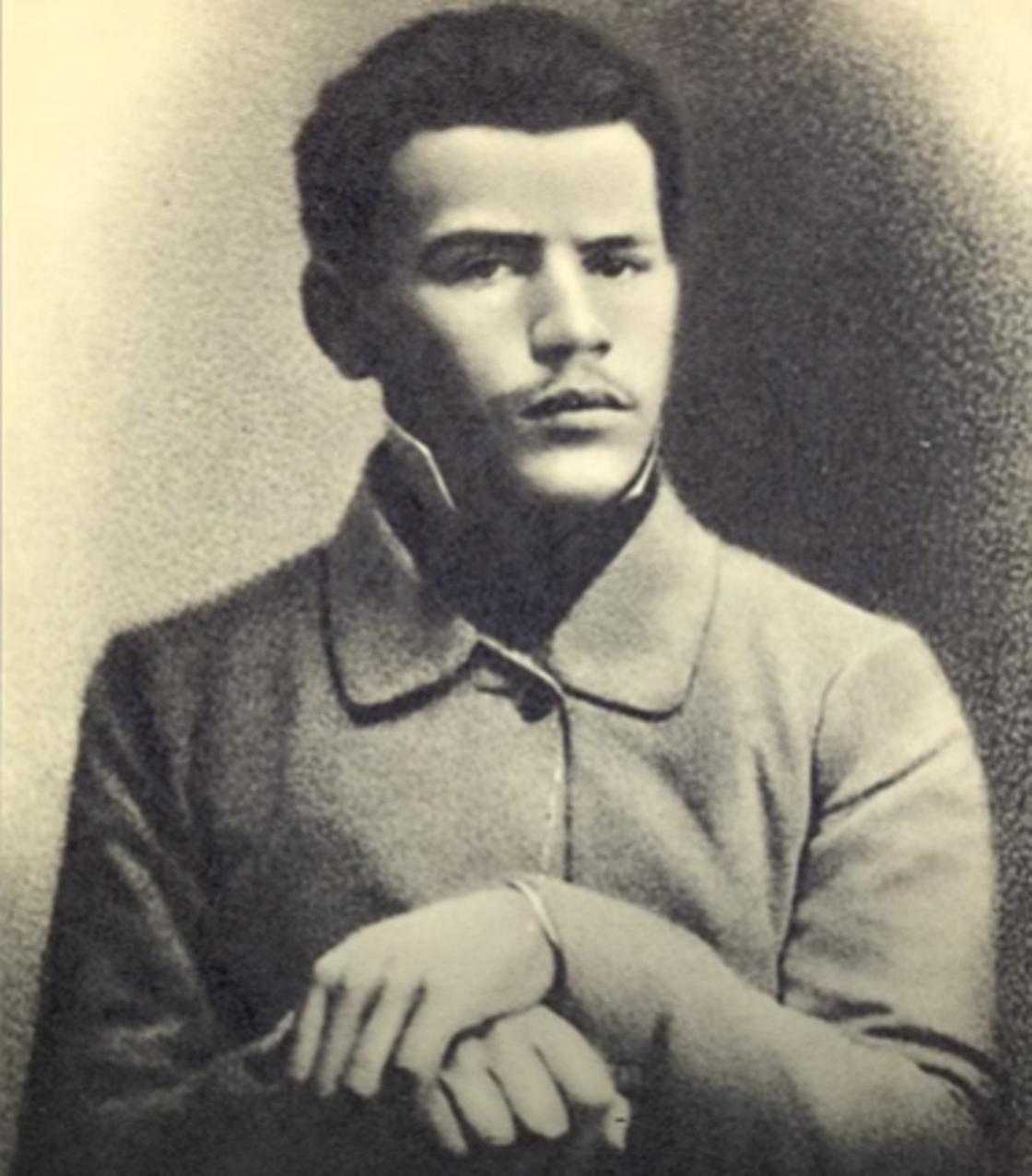 Лев Толстой: биография писателя, жизнь, творчество