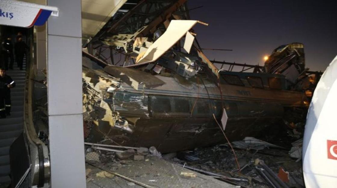 МИД: Казахстанцев среди погибших и пострадавших при сходе поезда в Анкаре нет