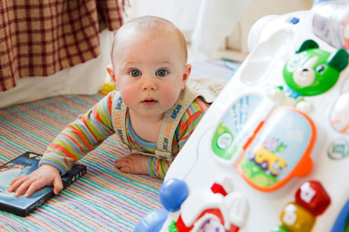Ребенок 3 месяца: календарь развития