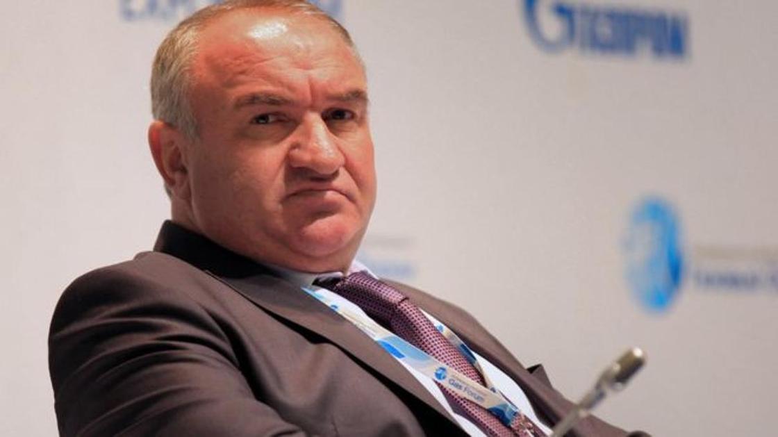 "Отца сенатора Арашукова арестовали по делу о хищениях у ""Газпрома"""