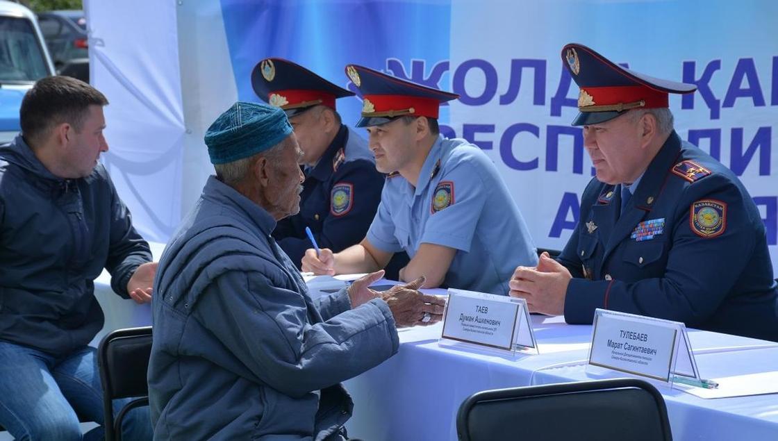 193 вопроса задали полицейским жители СКО за 1 день акции «Приемная на дороге»