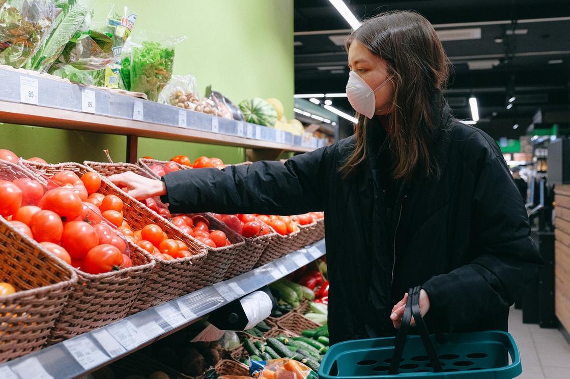 Свыше 100 фактов завышения цен на продукты выявили в Алматы