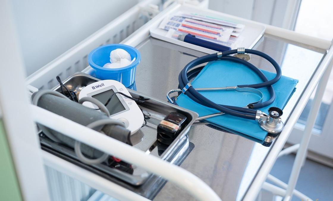 Женщину с поражением 90 процентов легких из-за пневмонии спасли в Шымкенте
