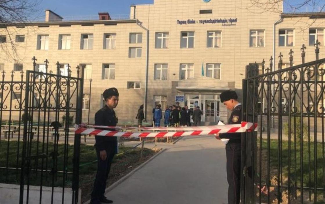 Массовое отравление детей произошло в школе в Шымкенте (фото)