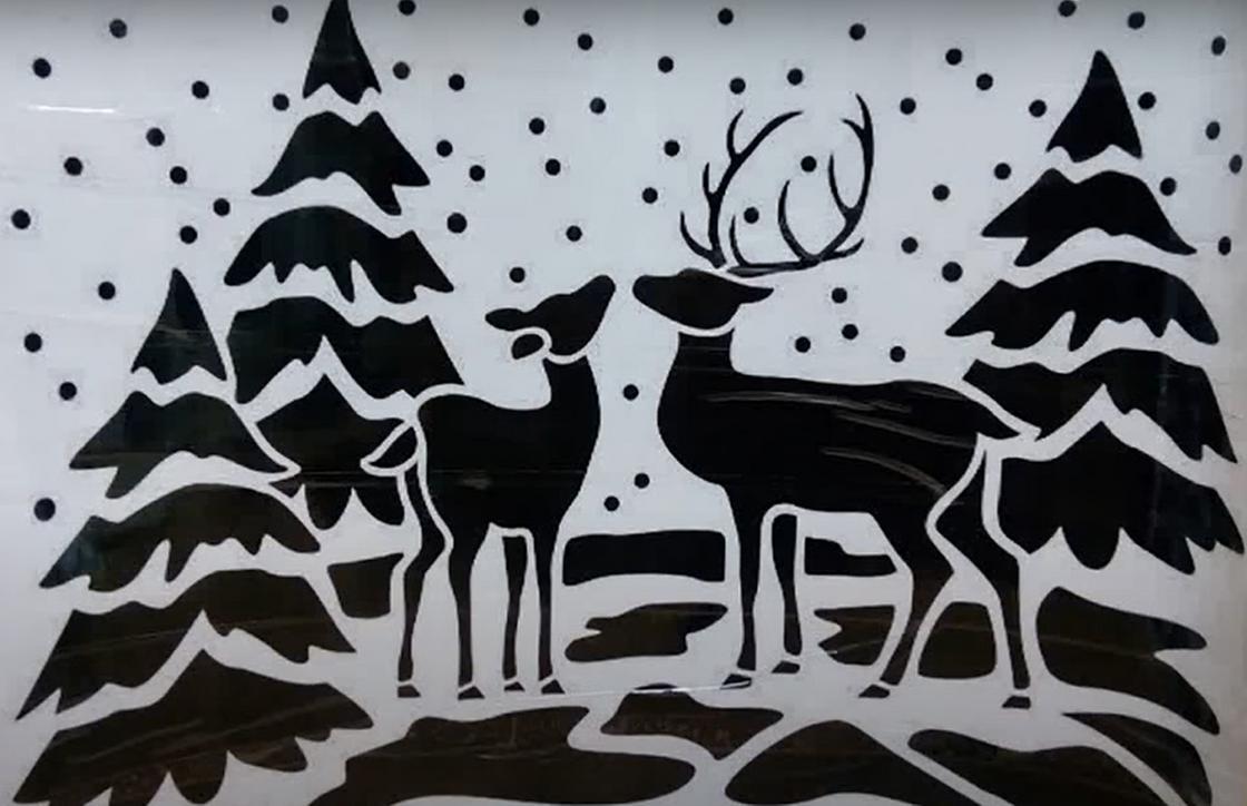 Трафарет с оленями и елками
