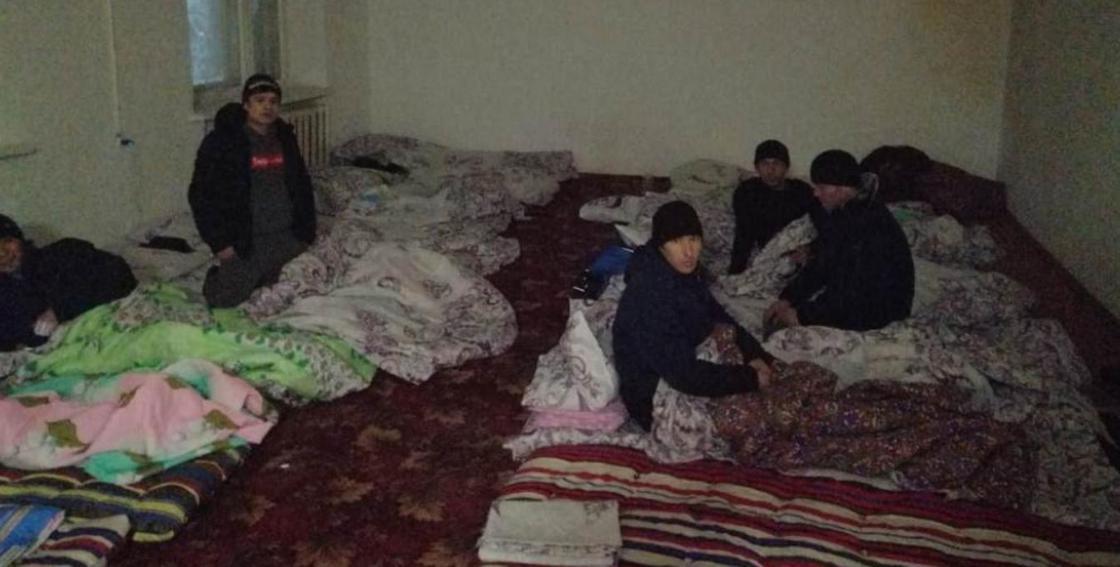 """Более 40 граждан Узбекистана спасли на закрытой трассе """"Кокшетау-Щучинск-Астана"""" (фото)"""