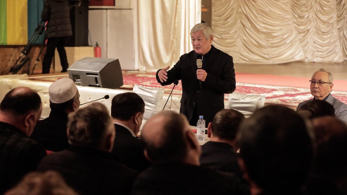 Бердібек Сапарбаев. Фото: primeminister.kz