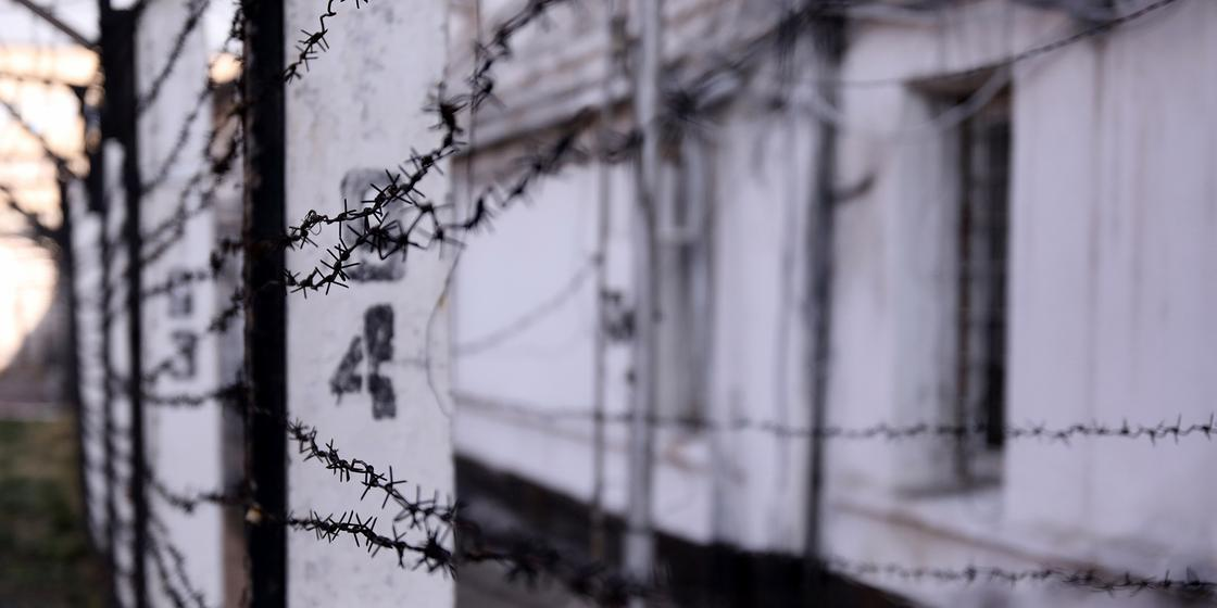 Лидером вооруженной банды оказался погибший в СИЗО в Караганде