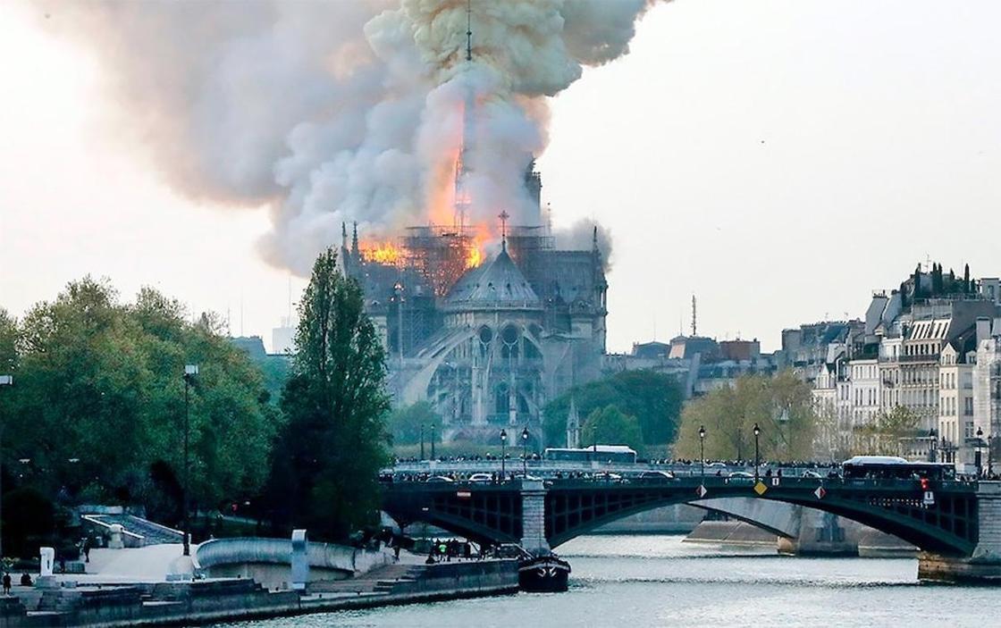 Пожар в соборе Парижской Богоматери: французские миллиардеры не дали ни цента на восстановление