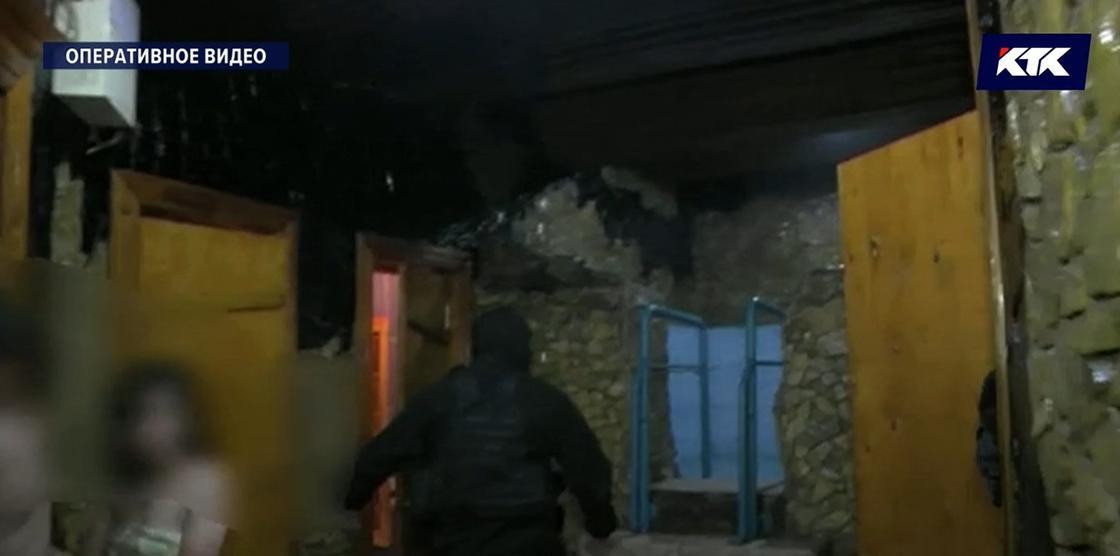 Проститутки без масок не соблюдали дистанцию в Усть-Каменогорске