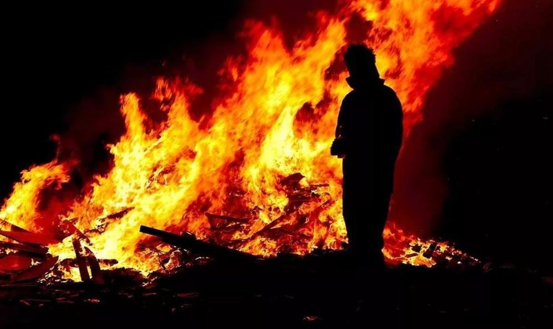 Мужчина заживо сгорел в Костанайской области