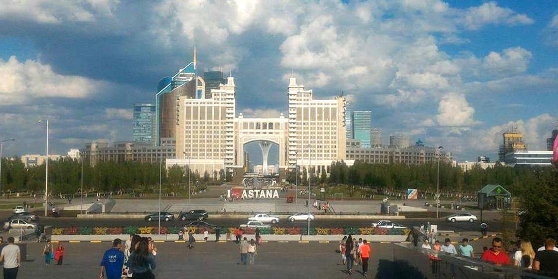 Казахстанцы рассказали, сколько стоит проживание в Алматы и Астане
