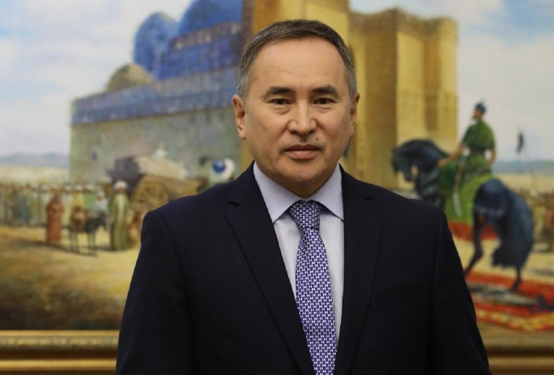 Президент Асқар Мырзахметовты қызметінен босатты