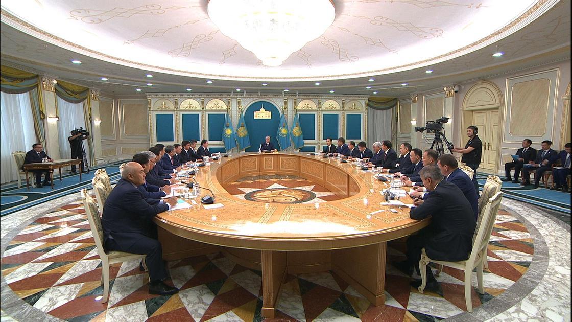 Токаев встретился с акимами Нур-Султана, Алматы и Шымкента