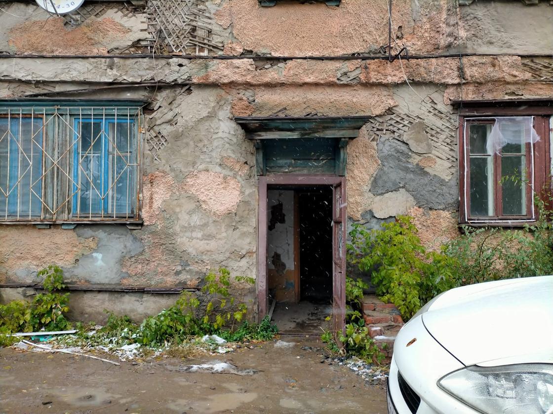 Двухэтажка в Павлодаре