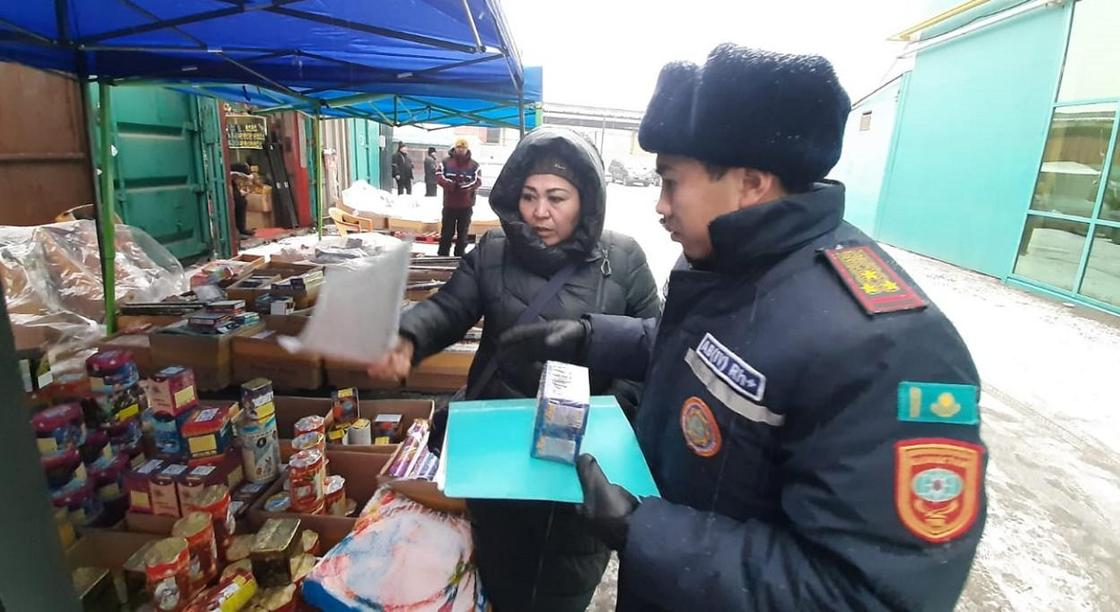 Казахстанцам напомнили правила безопасности при запуске фейерверков