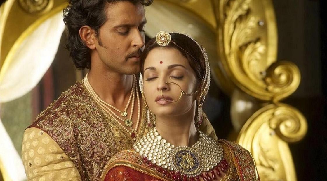 Кадр из фильма «Джодха и Акбар»