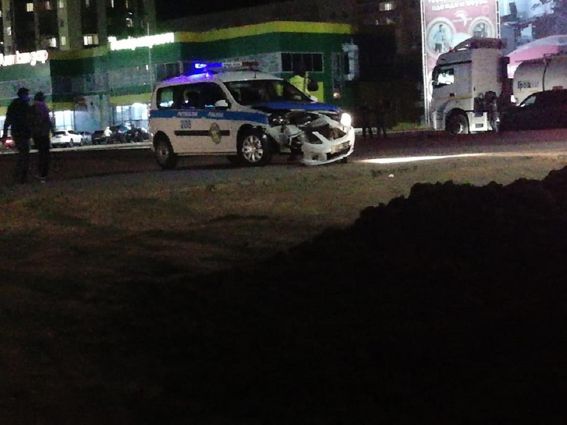 ДТП с участием патрульной машины произошло в Уральске
