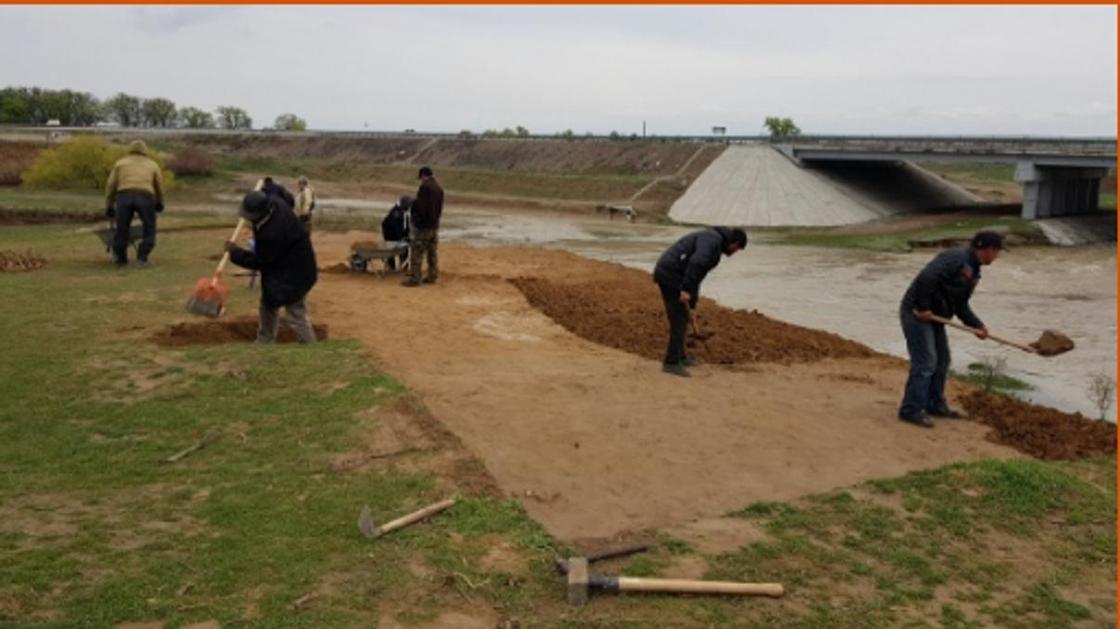 Археологи ищут спонсоров для исследования древнего кирпичного завода на берегу реки Карашык