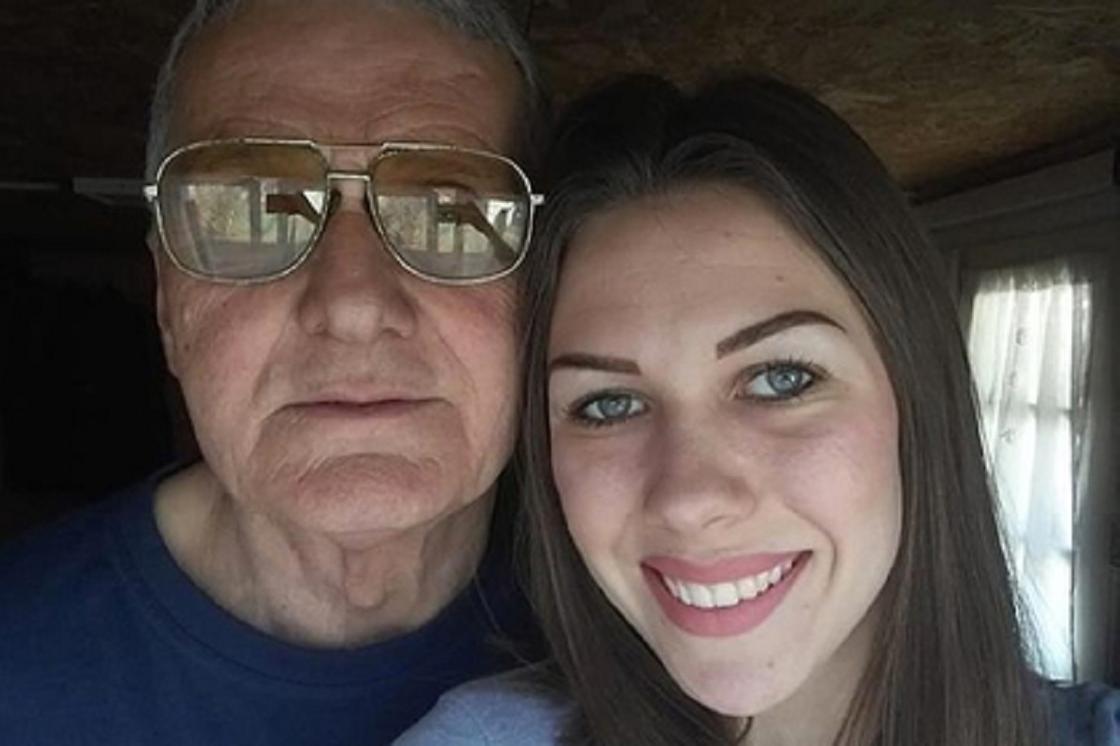 Женщина бросила 60-летнего любовника ради 74-летнего мужа