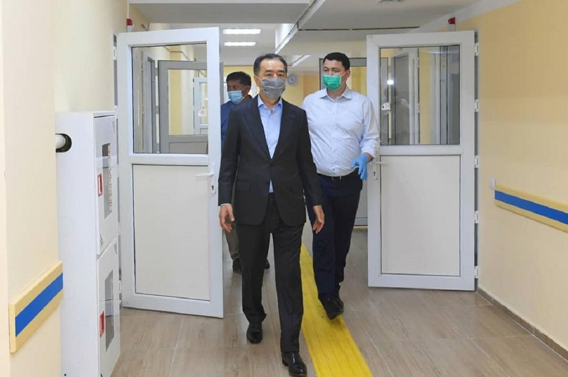 Сагинтаев: Больше половины коек свободно в Алматы