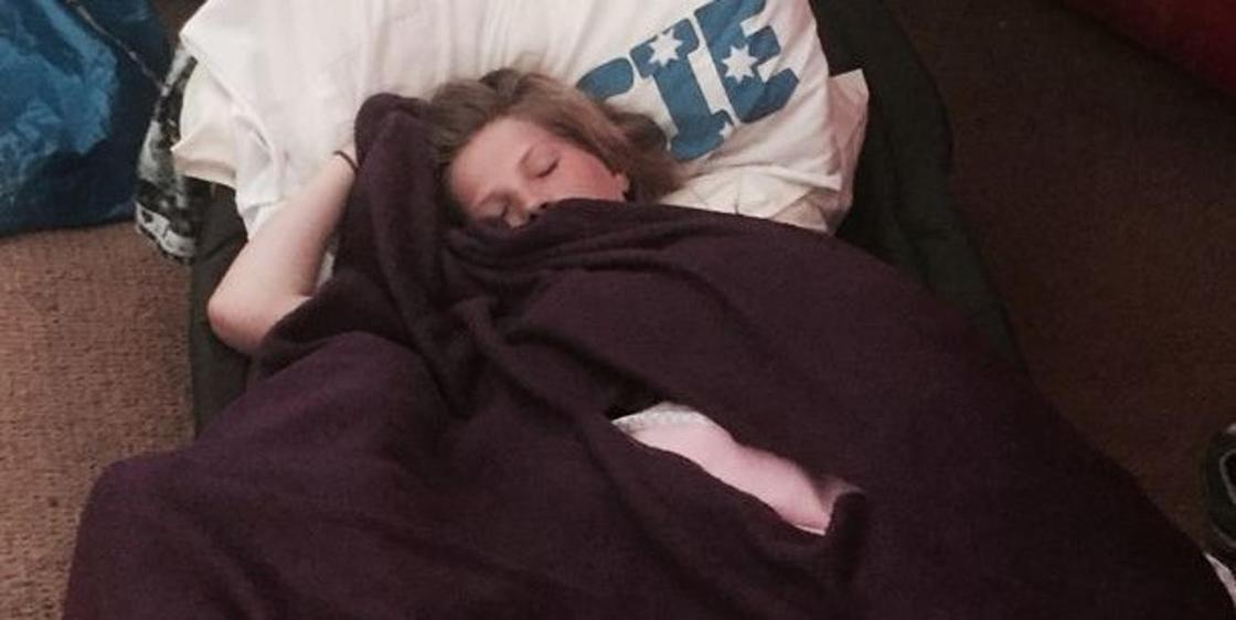 Студентка с редкой болезнью спит по 20 часов в сутки