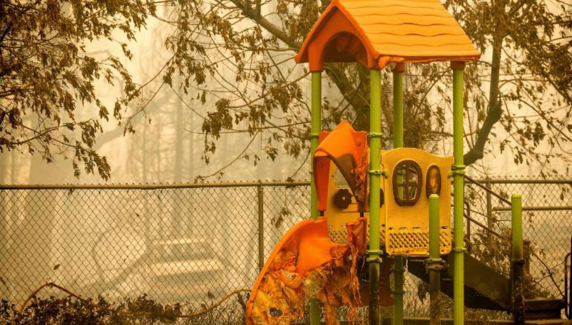 Горка плавится в Калифорнии во время пожаров