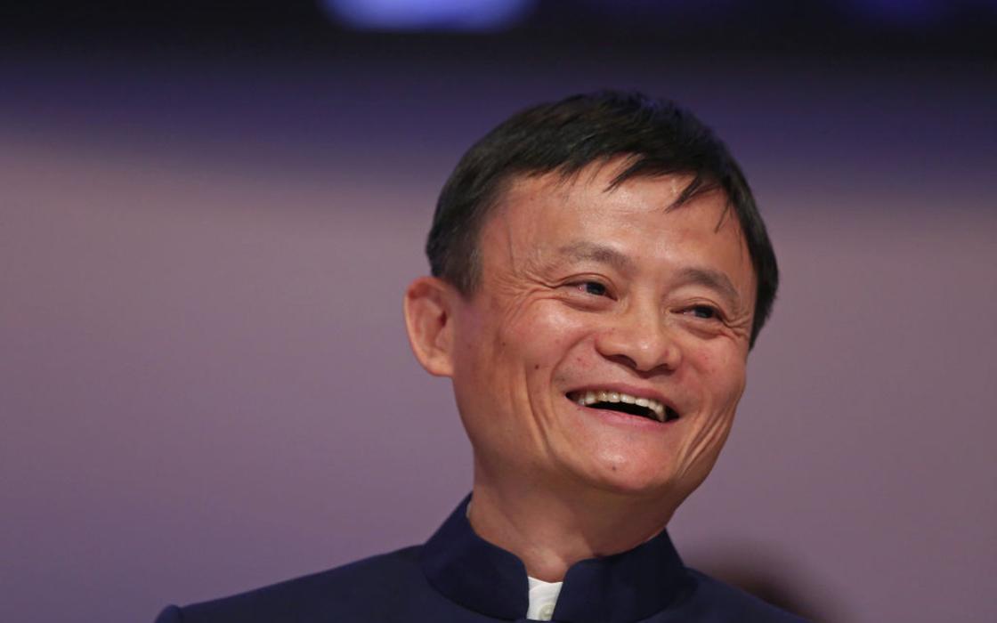 Самый богатый человек Китая отправил в Казахстан 4,5 тонн медицинских изделий