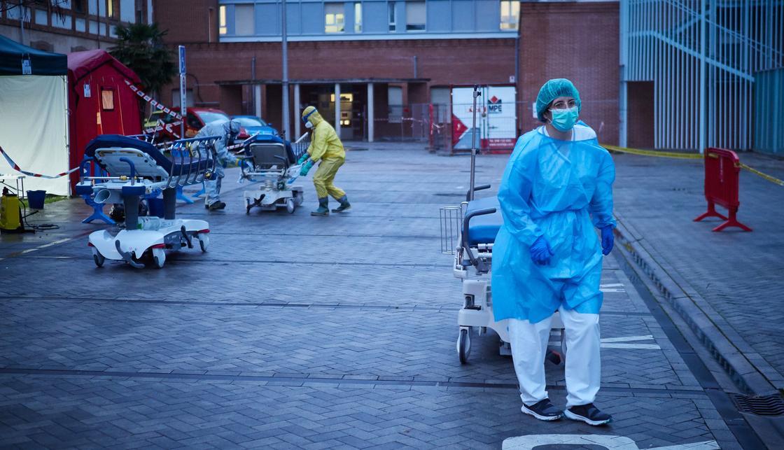 Более 100 тысяч человек заразились коронавирусом в Испании