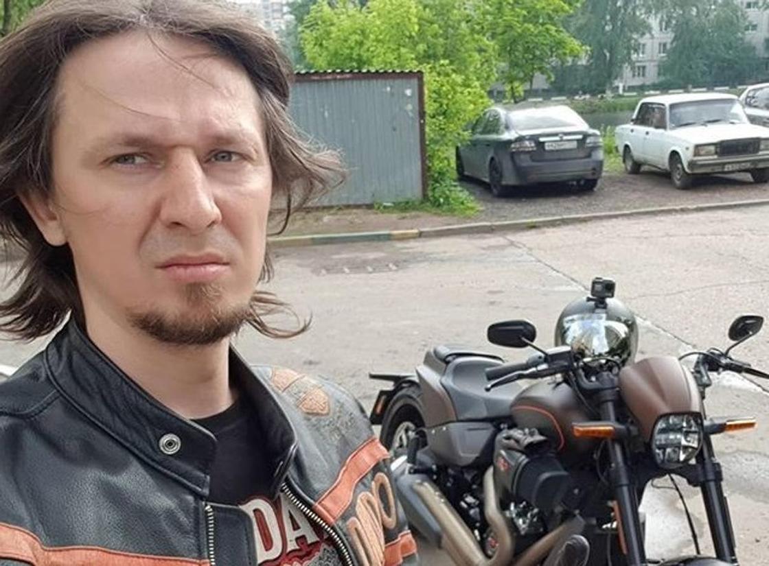 Мотоблогер перед смертью записал видео, как он рулит ногами на скорости 100 км/ч (видео)