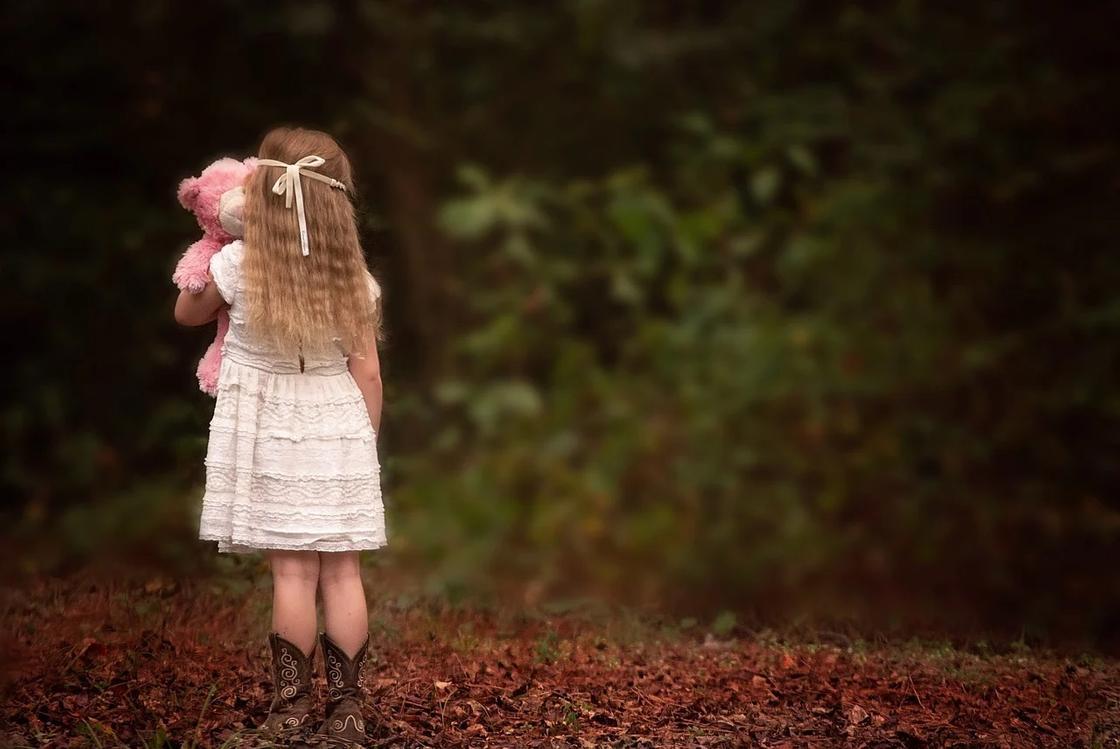 """""""Вижу в ней бывшего"""": актюбинка призналась, что ненавидит родную дочь от первого брака"""