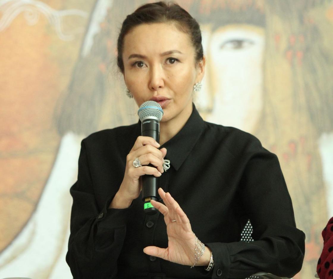 Директор Туркестанского театра Айнур Копбасарова