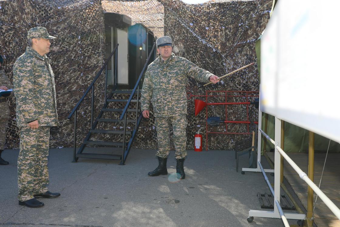 Министр обороны проинспектировал воинские части и учреждения Акмолинского гарнизона