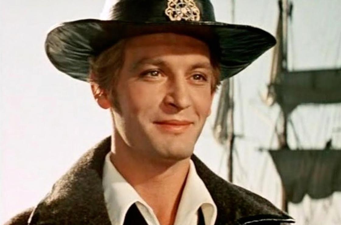 Василий Лановой на кадре из фильма «Алые паруса» (1961)