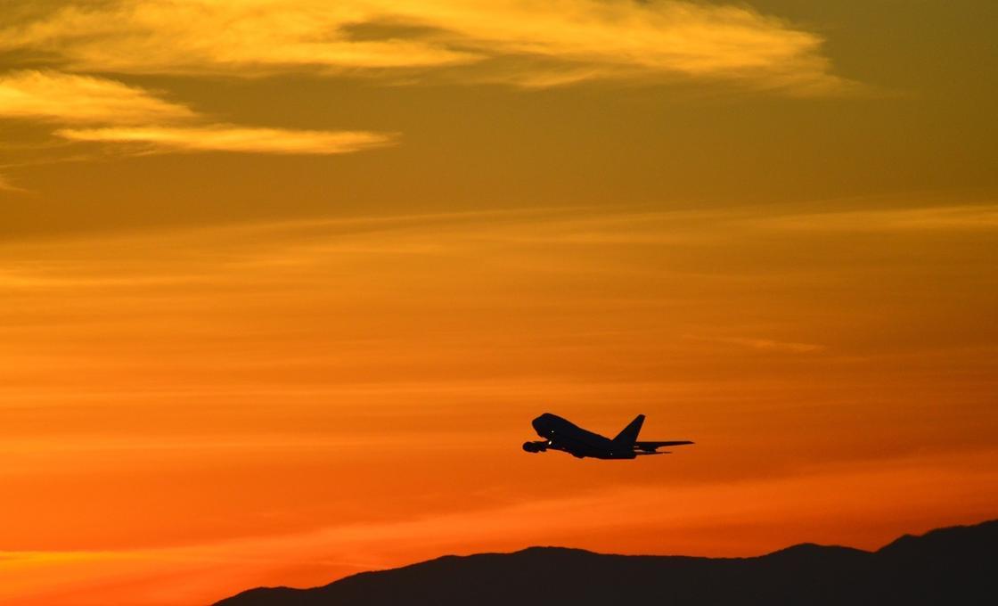 Как будут летать самолеты после пандемии коронавируса, пояснил специалист