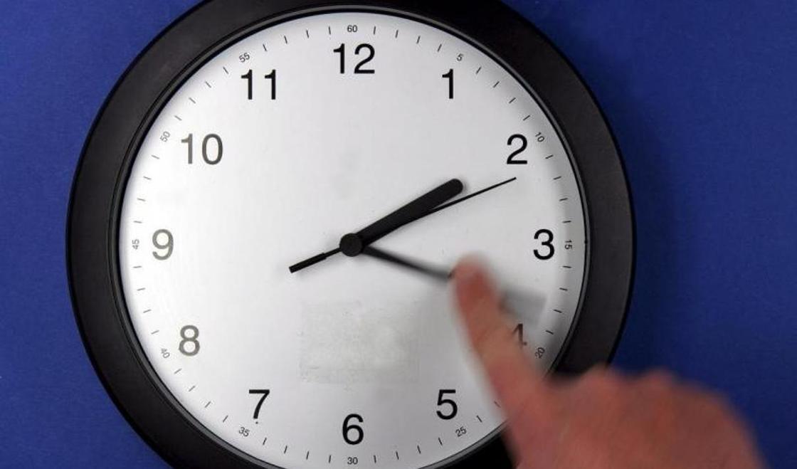 Время вспять смогли обратить ученые
