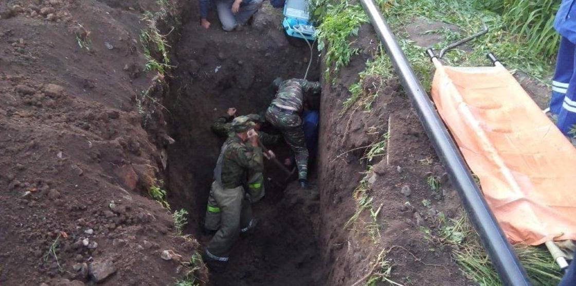 24-х летнего парня завалило землей при прокладке трубопровода в ВКО