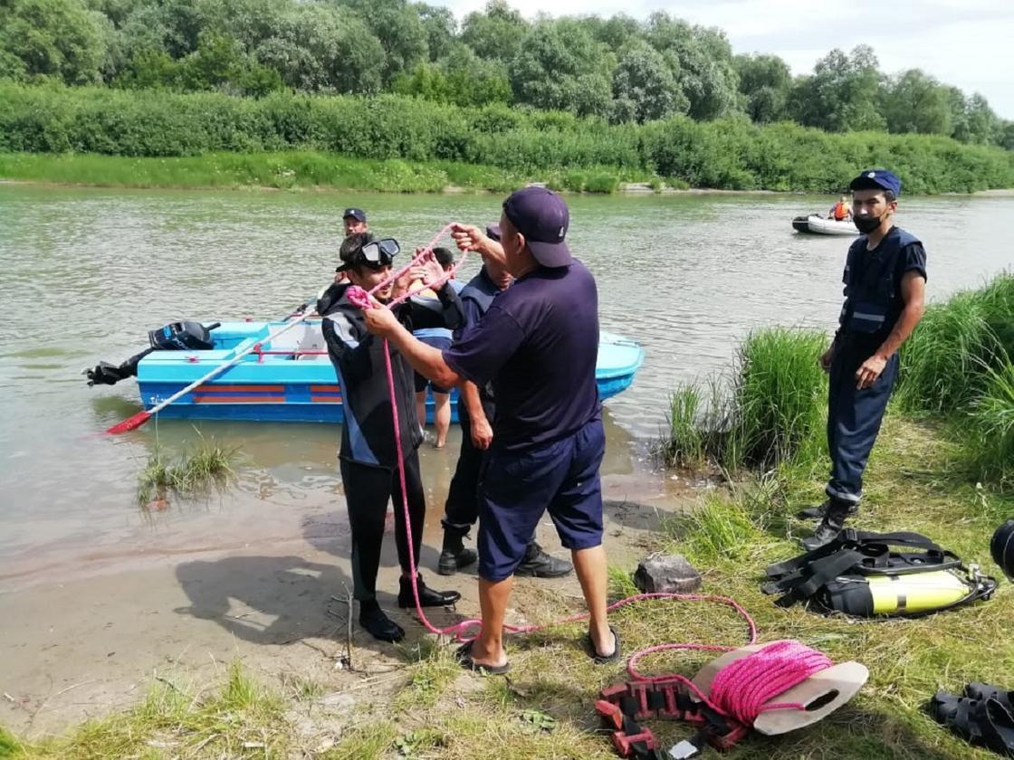 Отдыхавшую с друзьями девушку вторые сутки ищут в Павлодарской области