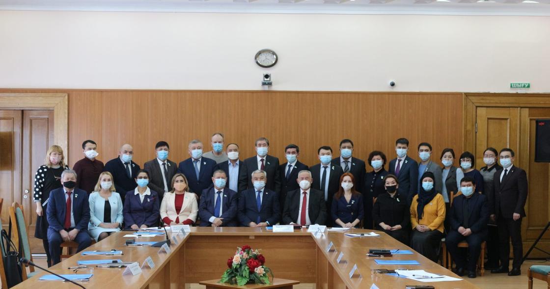 Депутаты в Семее