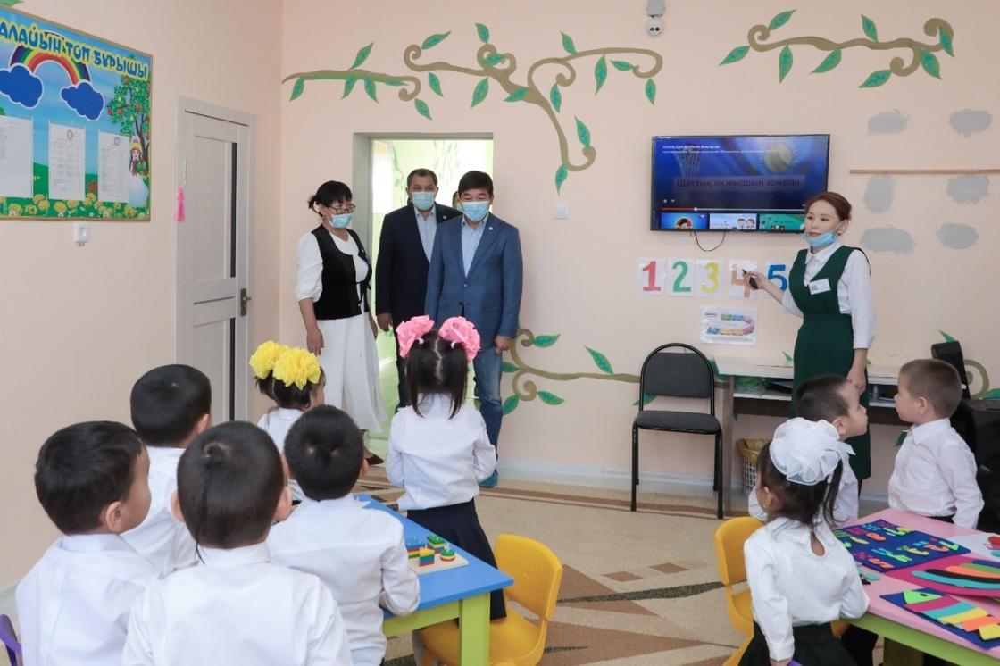 Бауыржан Байбек посетил учебное заведение в Мангистау