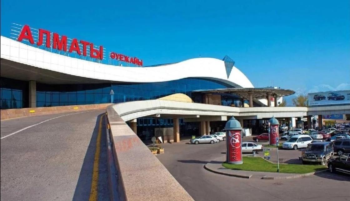 Направляющиеся в Бишкек самолеты вынуждены приземляться в Алматы