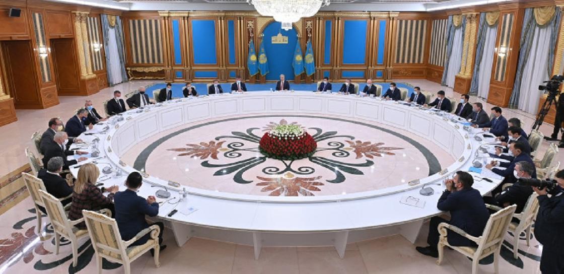 Токаев провел встречу с представителями деловых кругов Швейцарии