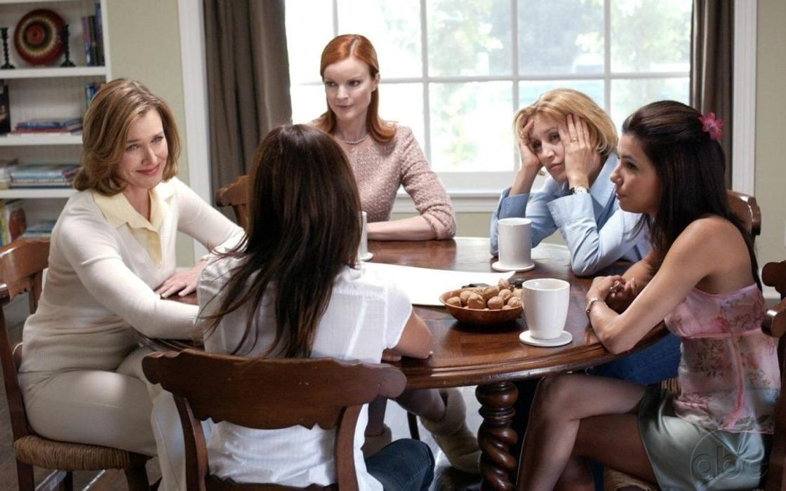 «Отчаянные домохозяйки»: описание, трейлеры, актеры и их судьбы